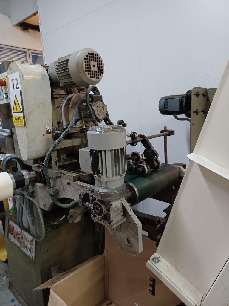 Máquina troqueladora automatica